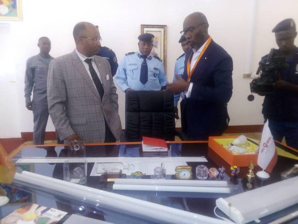 Le Ministre Bunyoni en visite de l'usine Russe TTLINNO