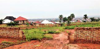 Les catastrophes naturelles de guettent les maisons et les champs de Gatunguru