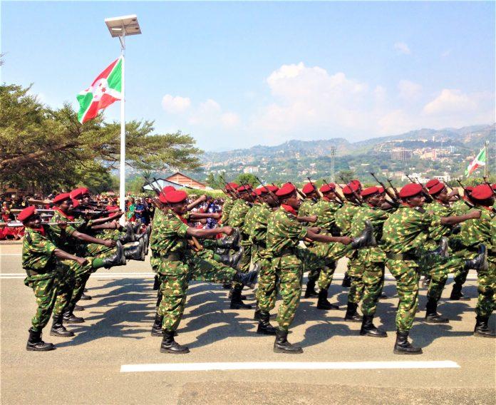 Les militaires au défilé du 57è anniversaire de l''indépendance nationale