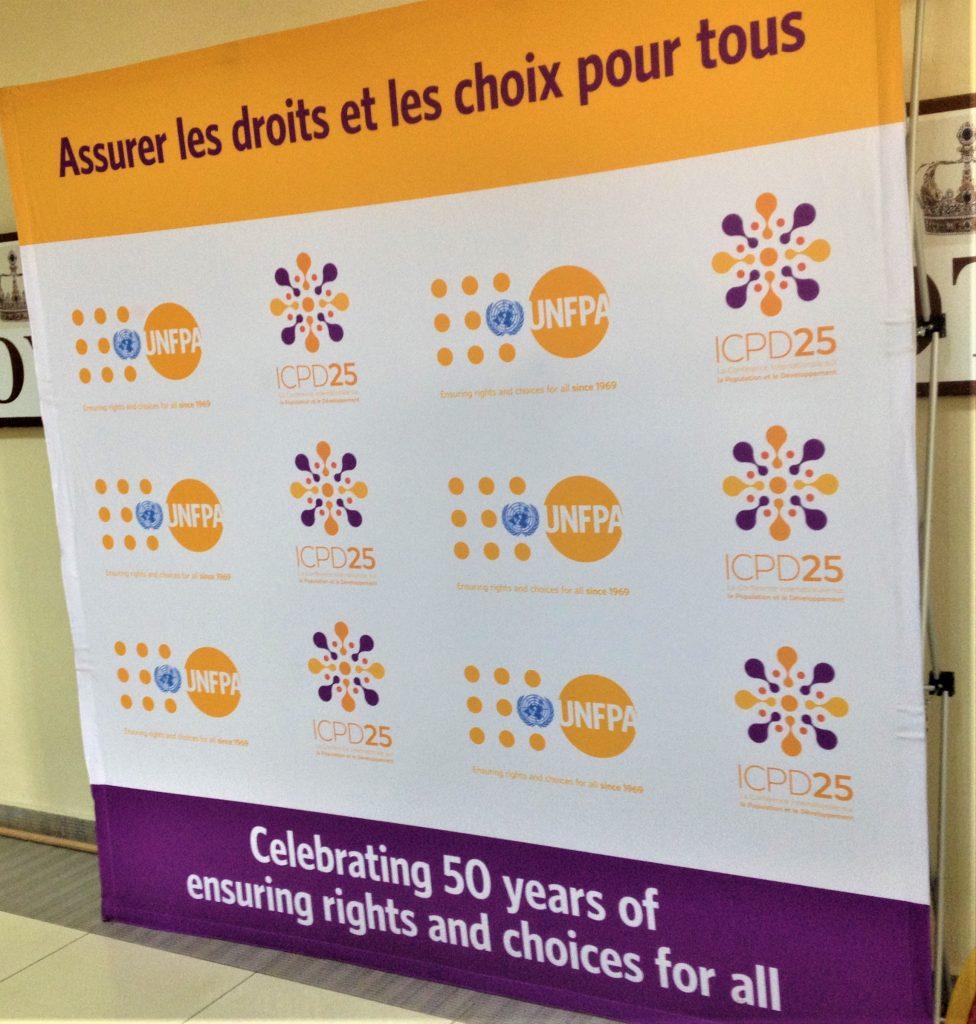 Banderole du 50ème anniversaire de UNFPA et celui de 25ans de ICPD