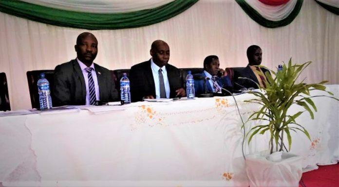 Japhet Legentil Ndayishimiye, président de la Diaspora burundaise au micro
