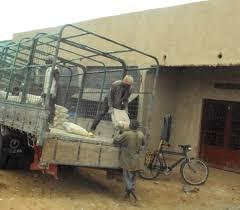 distribution des sacs de ciment BUCECO