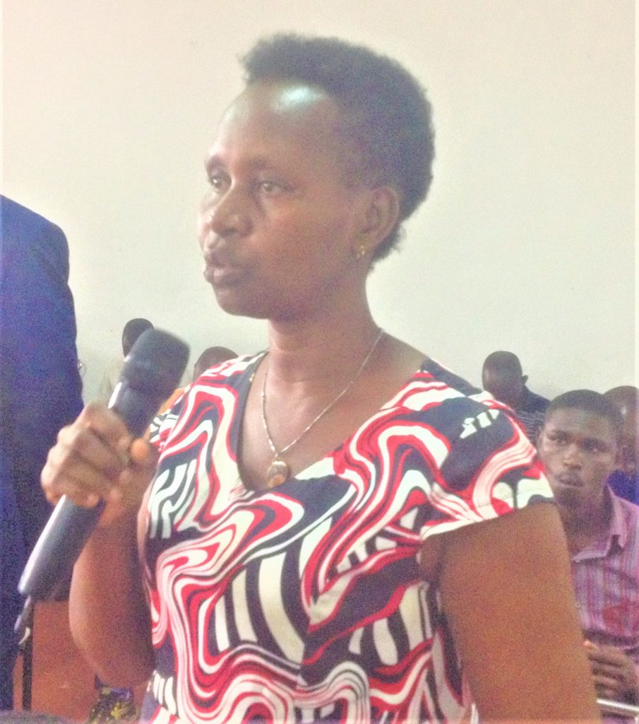 Espérance Ninahaze, membre de l'AFJO  « Ces domaines susmentionnés les femmes peuvent s'exprimer librement car c'est leur vie quotidienne »