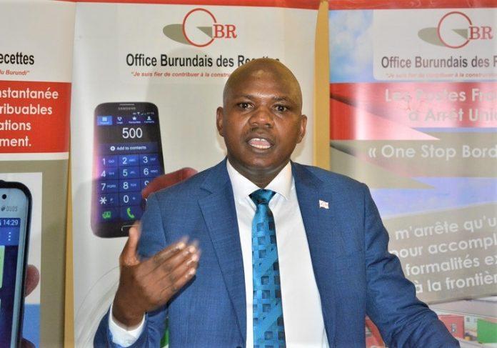 Adolphe Manirakiza, commissaire des douanes et accises à l'office burundais des recettes à l'OBR
