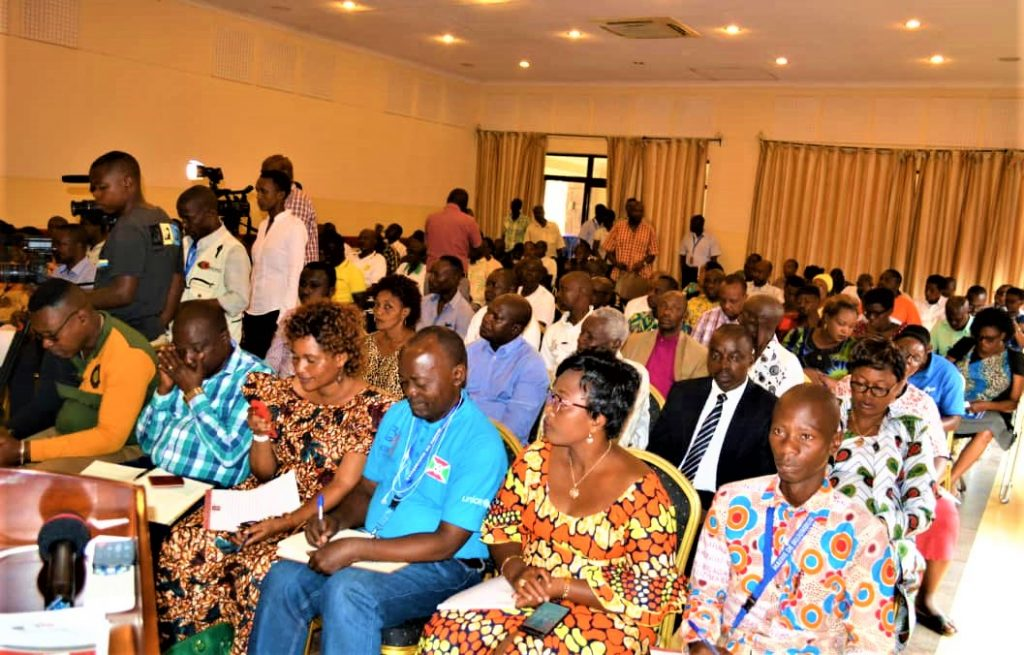 Les participants lors du lancement de la campagne de la collecte de l'impôt locatif exercice 2019.