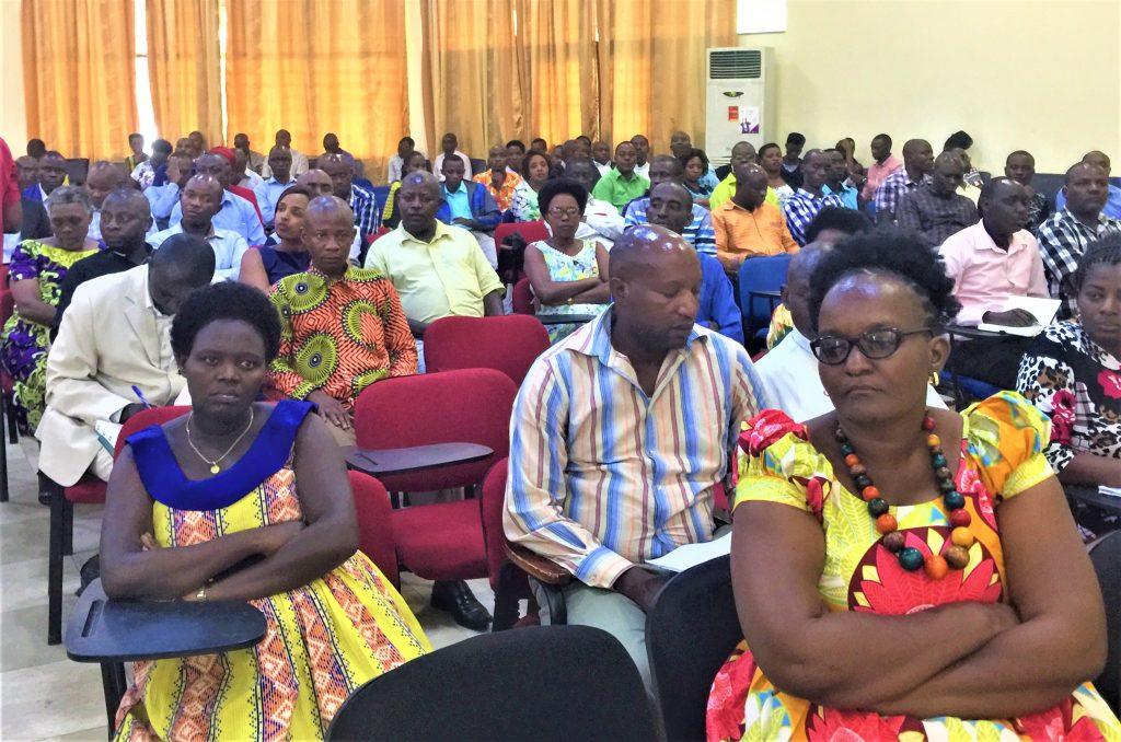 lLes participants à la réunion semestrielle du MSPLS avec les responsables des FOSA