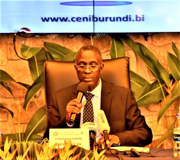 Dr Pierre Claver Kazihise, Président de la CENI lors de la proclamation des résultats provisoires des présidentielles et législatives du 20 mai 2020.