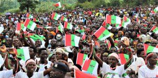 Les Bagumyabanga et sympatisans du CNDDFDD étaient en meeting au stade Buhumuza de la province Cankuzo