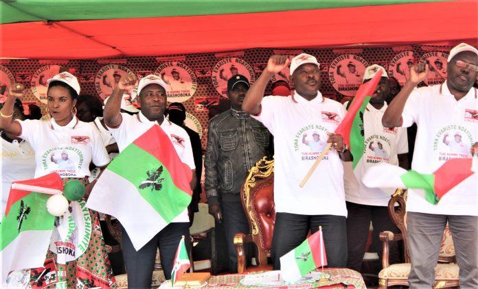 Président Pierre Nkurunziza et Evariste Ndayishimiye tous du parti CNDD-FDD