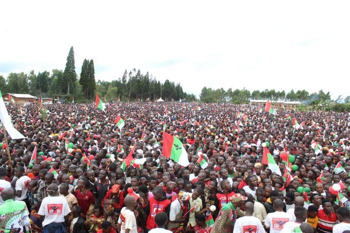 Les Bagumyabanga lors de meeting à la commune Kiremba de la province Ngozi