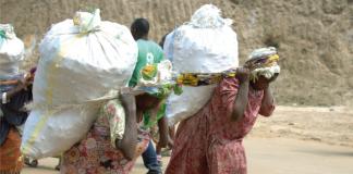 Les femmes qui exercent le commerce transfrontalier