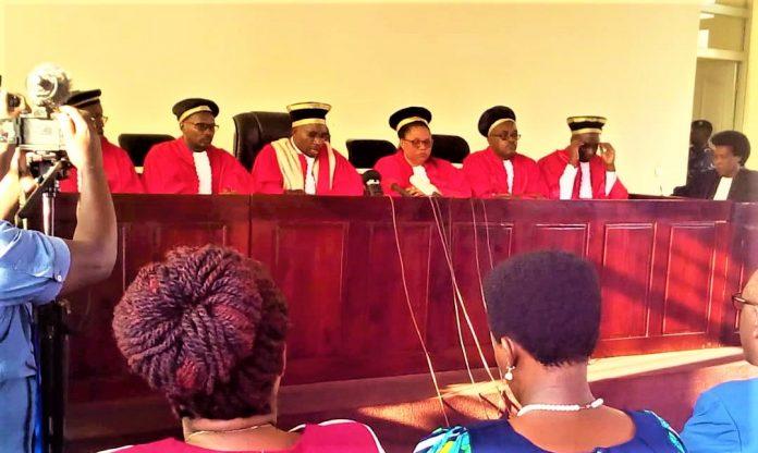 Les juges de la cour costitutionnelle