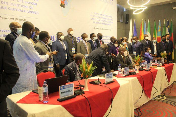 Photo de famille des experts de UNSAC après la mise en place du nouveau comité