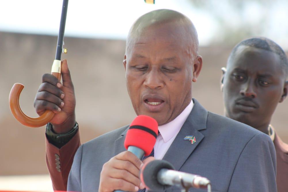 """Vice-Président de la République du Burundi , Prosper Bazombanza """"a invité les auteurs encore vivants de ces tueries de 1972 à demander pardon aux rescapés et familles des victimes"""""""