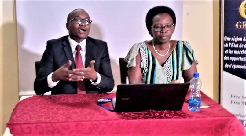 """Aimable  Manirakiza Directeur Executif de CDE: """"le CDE a comme mission, la réduction desdites barrières pour arriver à l'auto-développent de la femme burundaise."""""""