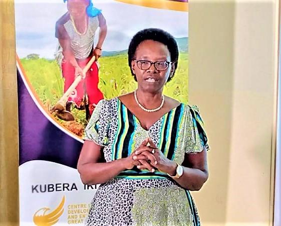 Agathe Nsengiyumva :la femme burundaise rencontre beaucoup de contraintes liées à la culture et la tradition burundaise , les stéréotypes de tout genre